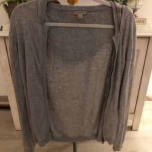Authentic Burberry sweater/sweatshirt. Size XL.